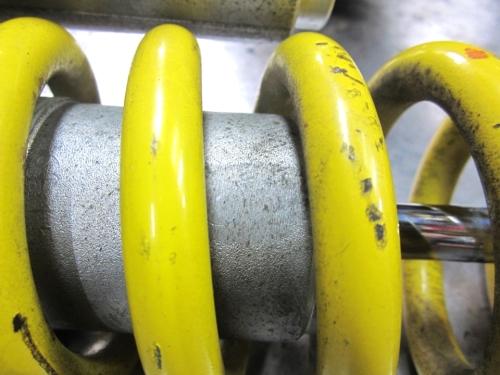 ホンダ XR250R リアサスペンション オーバーホール & サンドブラスト