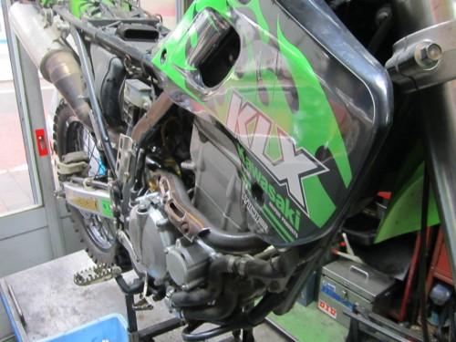 カワサキ KLX250 サスペンション オーバーホール、ステム&スイングアーム グリスアップ、ドレンボルトのヘリサート